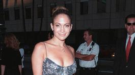 Rok 1999: Speváčka a herečka Jennifer Lopez
