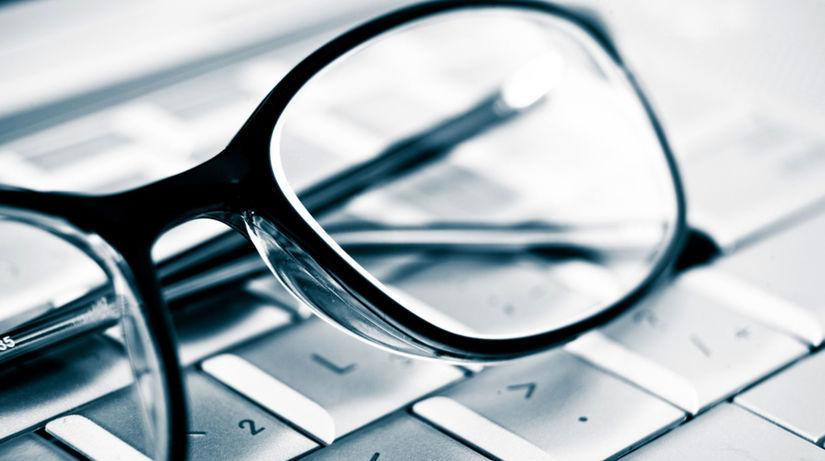 okuliare, počítač, klávesnica, krátkozrakosť,...