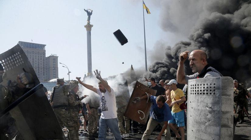 Kyjev, Ukrajina, Majdan, Námestie mieru,...