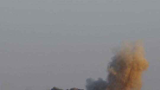 Izrael udrel v pásme Gazy, cieľom bol tunel a základne Hamasu