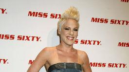 Rok 2007: Speváčka Pink