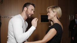 Herec Chris Evans v živom rozhovore s kolegyňou Reese Witherspoon.