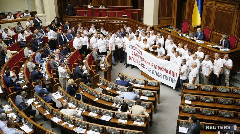 Baťkivčina, Ukrajina, parlament