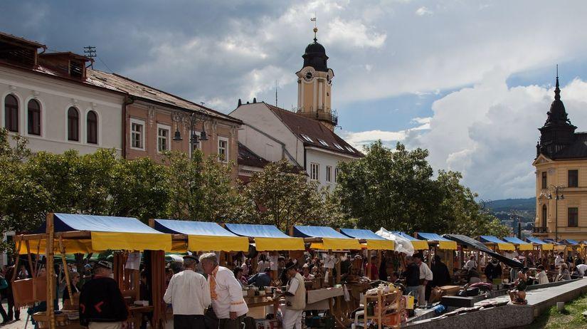 trhy, Radvaň