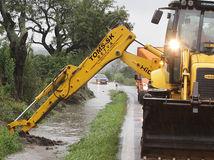Záplavy, Záhorie, Pernek, cesta, voda, povodeň, povodne, záplava