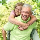 seniori, dôchodcovia, dôochodok, starý, stará, úsmev, smiech,