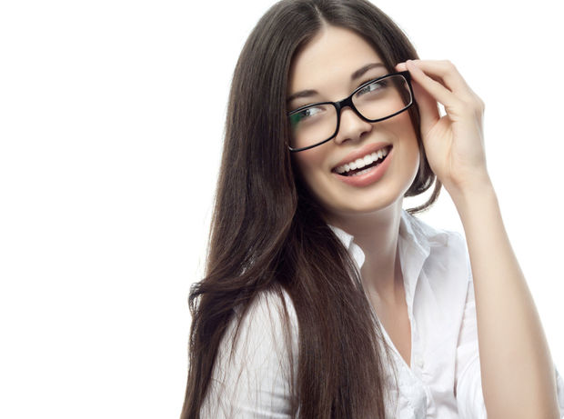 okuliare, okuliarnatá žena