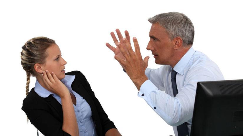šéf, kancelária, konflikt