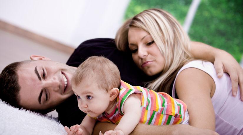 mladá rodina, dieťa, výchova, starostlivosť