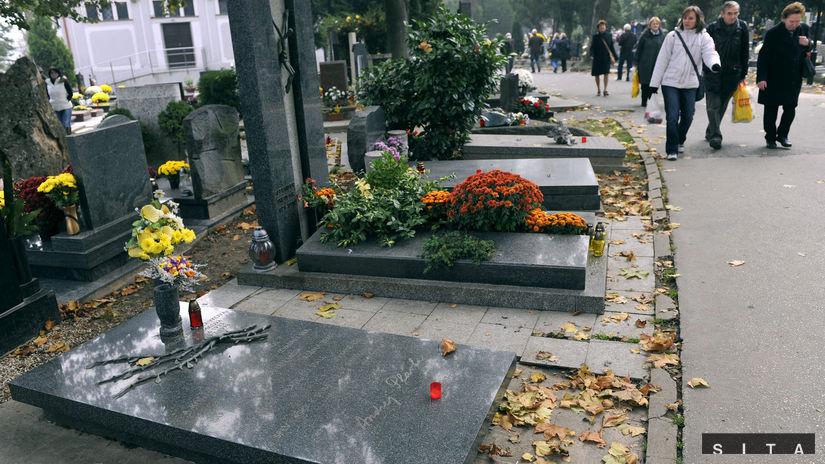 Dušičky, cintorín