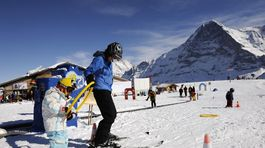 Jungfrau Region, Mannlichen, Svajciarsko, deti, lyze, hory, zima,