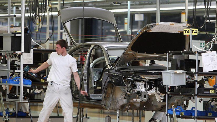 automobilka, auto, továreň, fabrika, priemysel