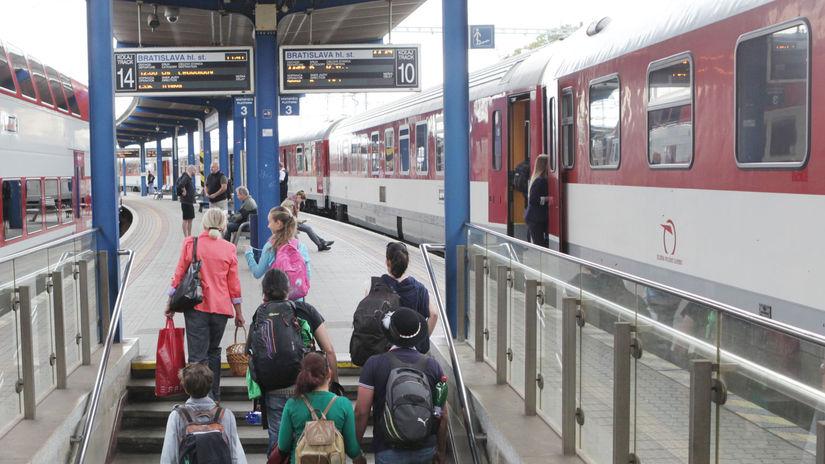 vlak, stanica, cestujuci, cestovanie, doprava
