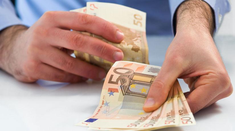 výplata, bonus, finančná odmena