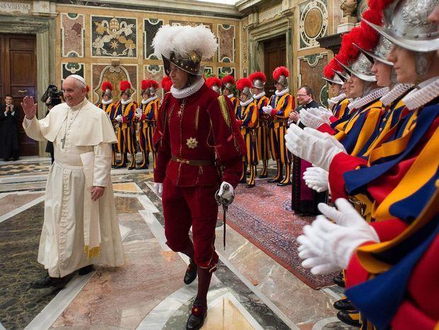 pápež, garda
