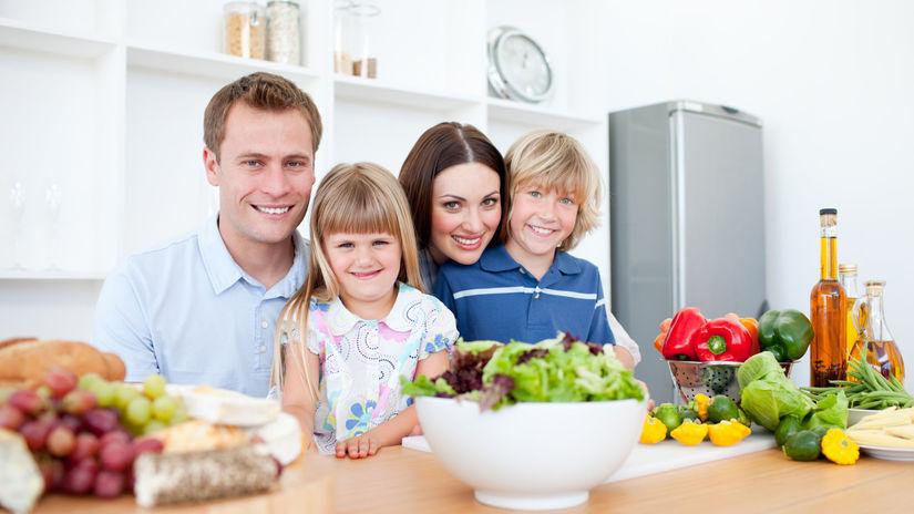 rodina, jedlo, úsmev, štastie, deti, rodičia,...