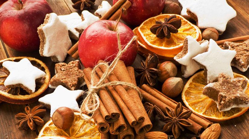 vianočné pečenie, vianočné vône, škorica, oriešky