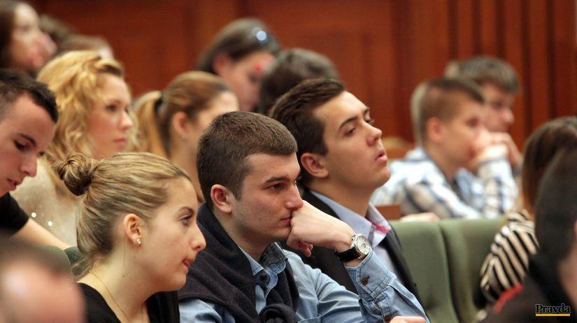 študenti, prednáška