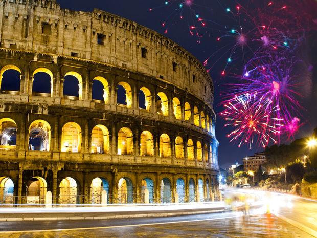 Ohňostroj nad rímskym Koloseom