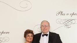 Manželia Traubnerovci na plese v opere nechýbali.