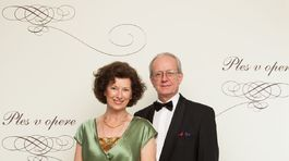 Odborníčka na protokol Deana Lutherová s manželom.