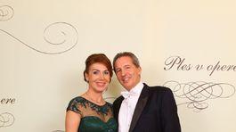 IMG Riaditeľ RTVS Václav Mika a jeho manželka Andrea Miková.