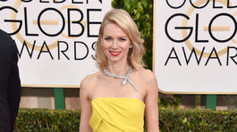 Naomi Watts volila svieže žlté šaty Gucci