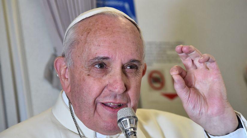pápež František, lietadlo, rodičovstvo, králiky