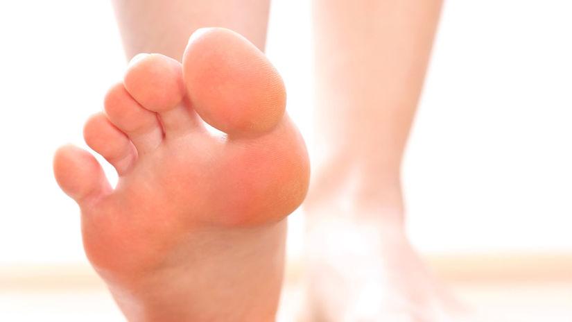 nohy, chodidlá, chôdza naboso