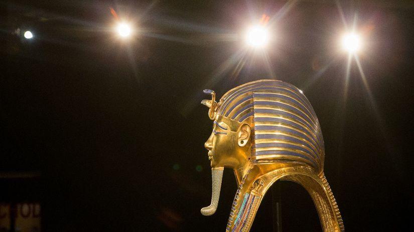 Tutanchamón, výstava, maska, pohrebná maska, brada