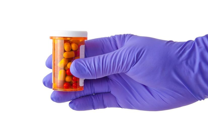 antibiotiká, lieky, ruka, rukavica, choroba,...