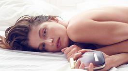 Herečka a modelka Laetitia Casta v novej reklame na parfum L´Extase od Nina Ricci.