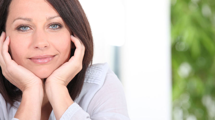 žena, úsmev, spokojnosť