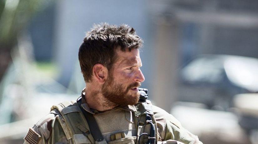 Bradley Cooper ako hlavný hrdina snímky...