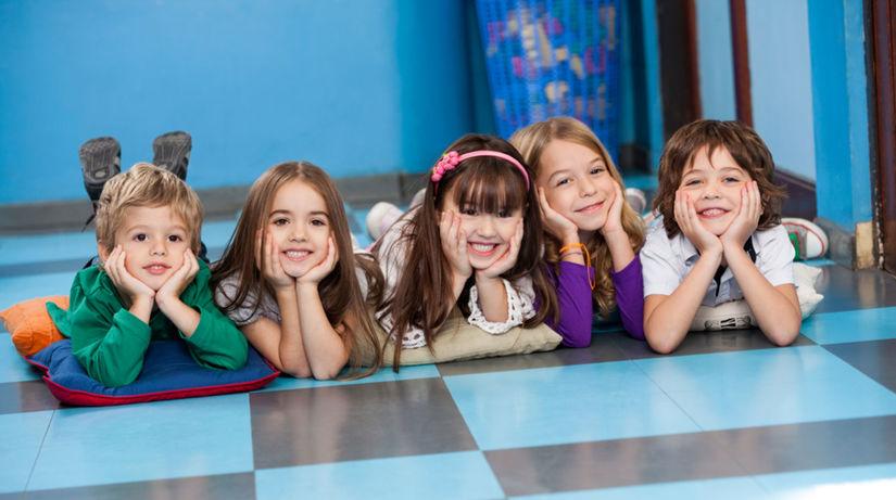 deti, škôlka, radosť, úsmev
