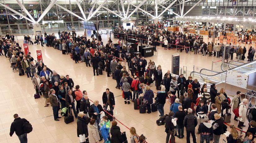 Nemecko, štrajk, letisko, cestujúci, chaos,...
