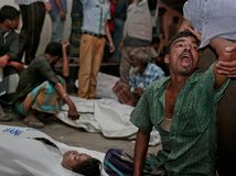 Bangladéš, potopenie trajektu.