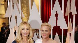 Rosanna Arquette (vľavo) a nominovaná Patricia Arquette
