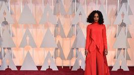 Speváčka Solange Knowles dorazila na ceremoniál 87. ročníka Oscarov.