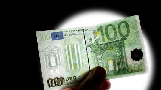 100 euro, vodotlač, falzifikát