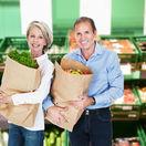 seniori, dôchodvocia, nakupovanie, obchod, potraviny, dvojica,