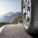 Životnosť pneumatiky je až 10 rokov. Takmer 60 % vodičov to nevie