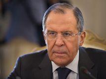 Našim srbským priateľom pomôžeme, sľubuje Lavrov pred rozhovormi o Kosove