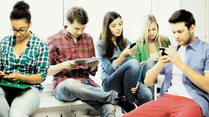 študenti, mobil, mladí,