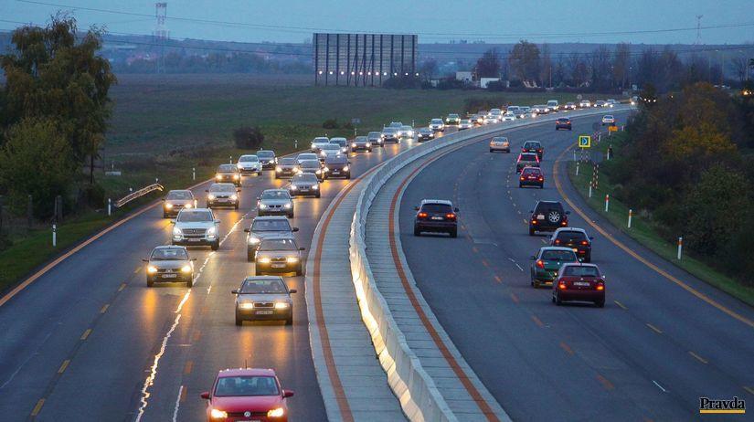 diaľnica, vodiči, autá, rýchlostná cesta