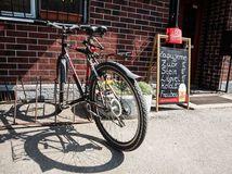 bicykel, hostinec, krčma, alkohol, cyklista