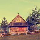 pastierska koliba, chalupa, drevenica, zrub, útulňa, turistická chata,