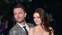 Herec Chris Hardwick a jeho partnerka - celebrita a boháčka Lydia Hearst.