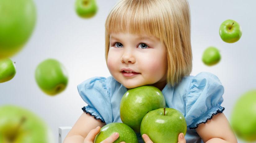 dieťa - jablko - ovocie - strava