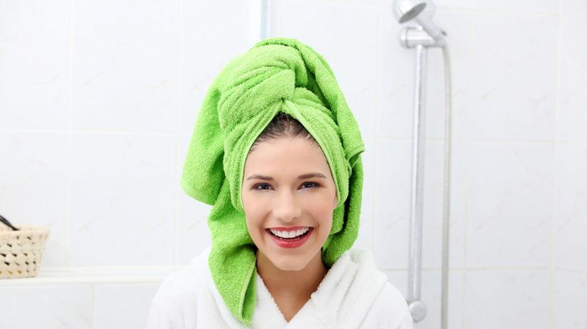 S uterákom na hlave asi veľmi vzrušujúco...